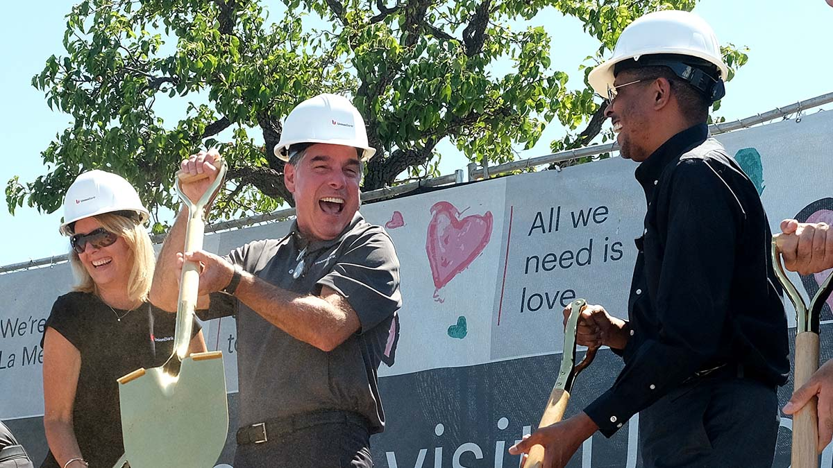 Kevin Cronin, CEO of MUFG Americas, (center) celebrates the groundbreaking of a new Union Bank. Photo by Chris Stone