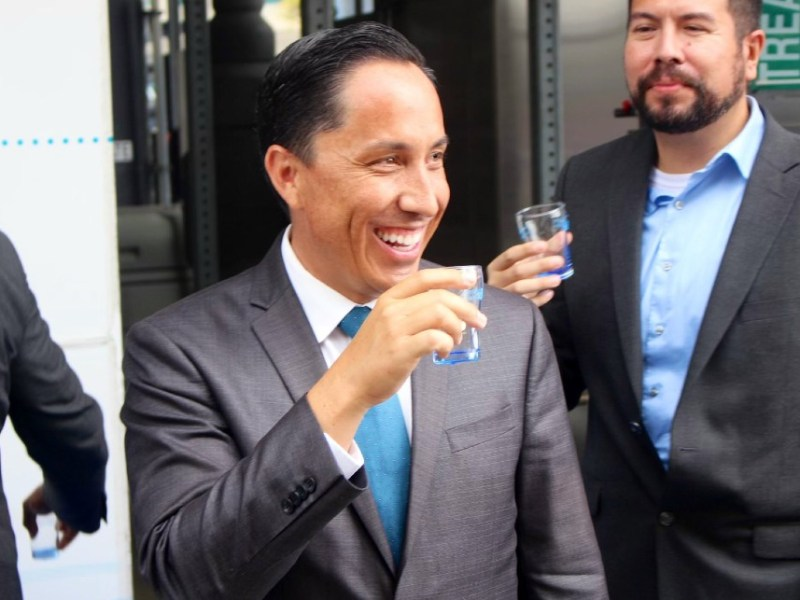 Todd Gloria samples recycled water