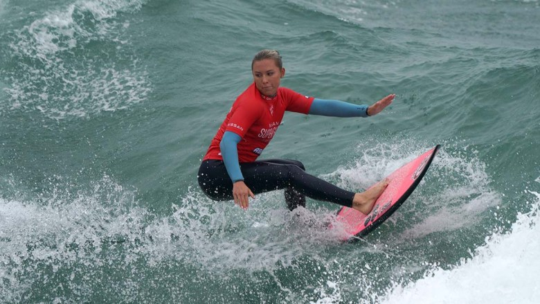Alyssa Spencer of Encinitas advances in the surf competition. Photo by Chris Stone