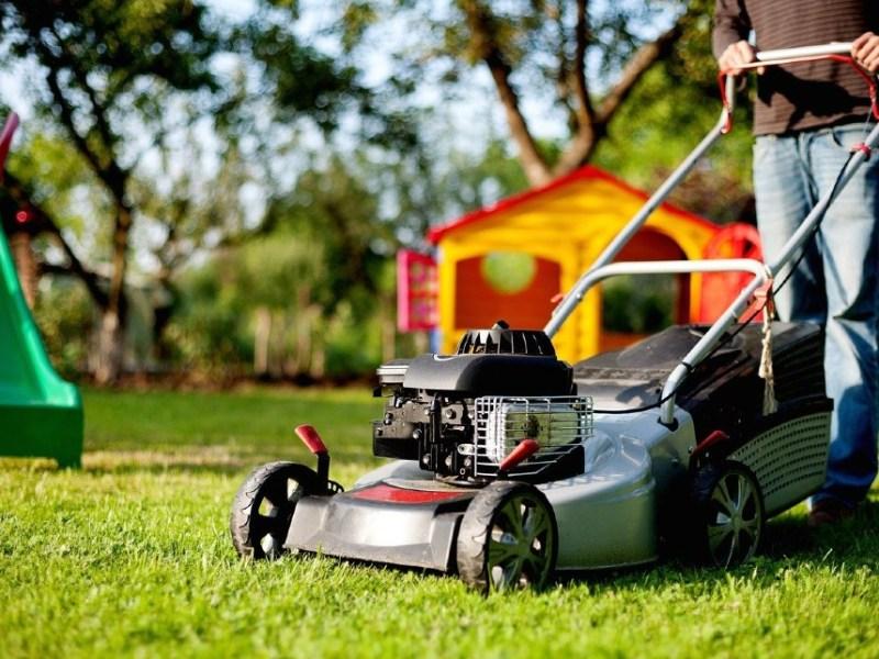 Gas-powered lawn mower