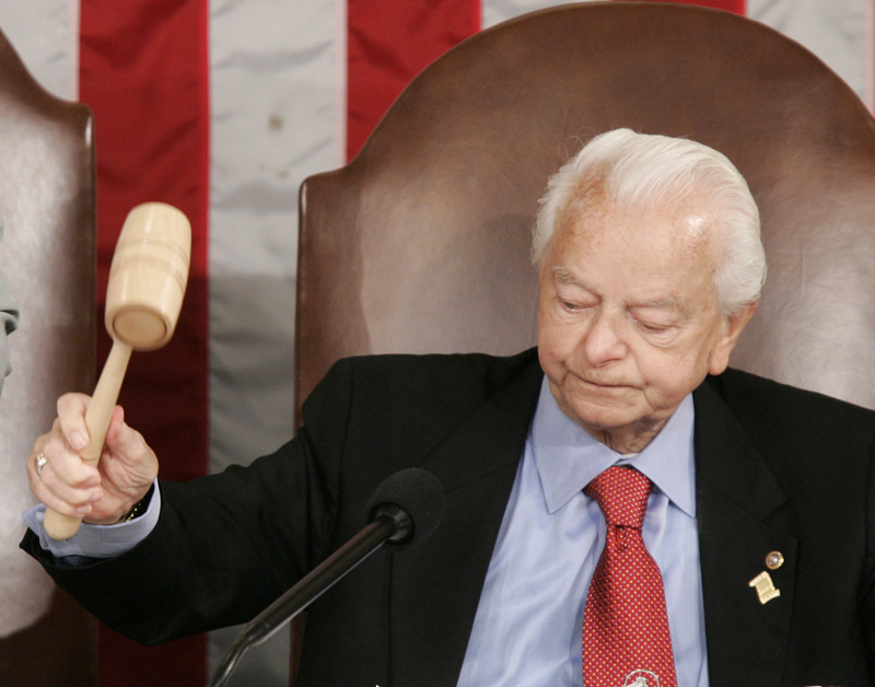 https://i2.wp.com/timesonline.typepad.com/photos/uncategorized/2008/11/19/robert_byrd.jpg