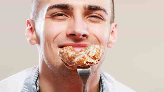 Men Should Avoid these 8 Foods
