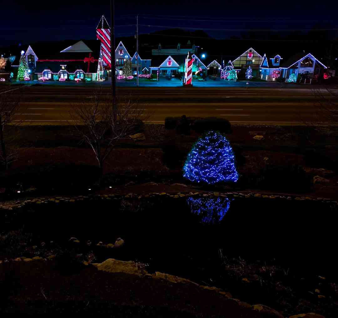 View from room The Inn at Christmas place at night