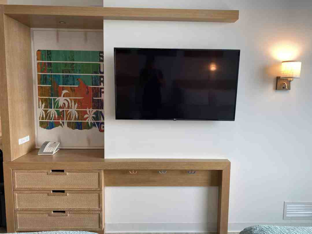 More room tour pictures from endless summer resort