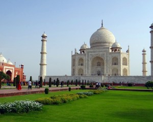 Hướng dẫn mua vé thăm đền Taj Mahal tại quầy và online
