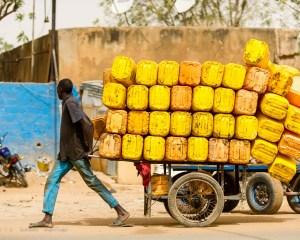Do đâu người dân các nước châu Phi chưa giàu?