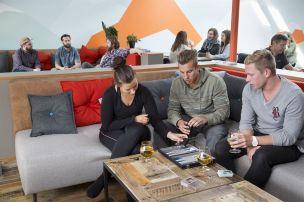 loft-hostel-diningroom-2