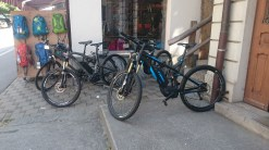 There were a lot of bikes, and quite a few were e-bikes, cheats.