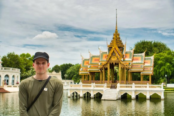 Ich im Sommerpalast in Bang Pa-In in Thailand
