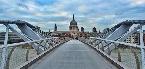 london-millenium-bridge-small-608x291.jpg