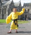 medieval irish garment the saffron shirt leine or layna