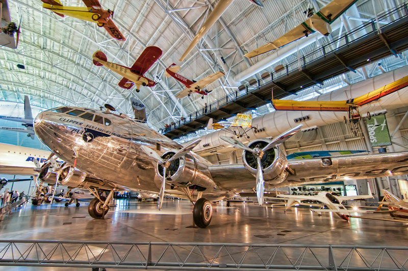 This Boeing 307 Stratoliner or
