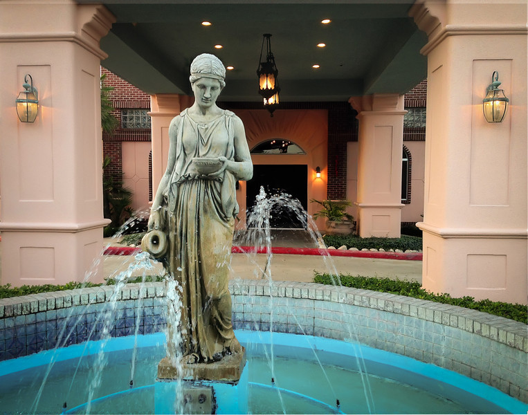 On this day, we were leaving a restaurant that had a large fountain that I thought was very pretty, which I capture with my iPhone. Photo by Tim Stanley Photography.