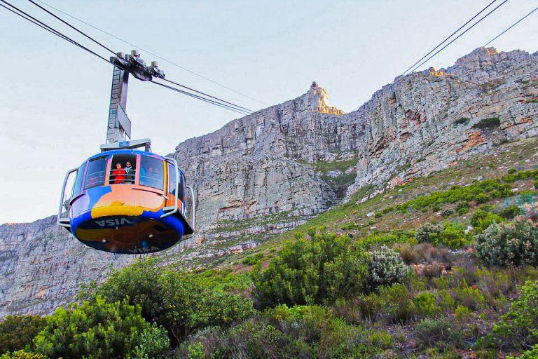 wat te doen in kaapstad Neem de kabelbaan naar de top van de Tafelberg