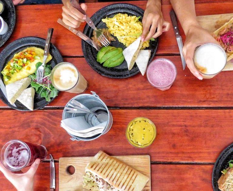 eten in bacalar ontbijt lunch enamora