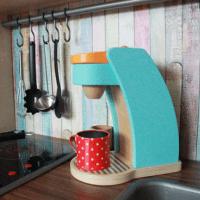 DiY: eine Kinderküche individuell umgestalten