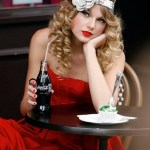 gallery_main-taylor-swift-notting-hill-photoshoot-08252009-04
