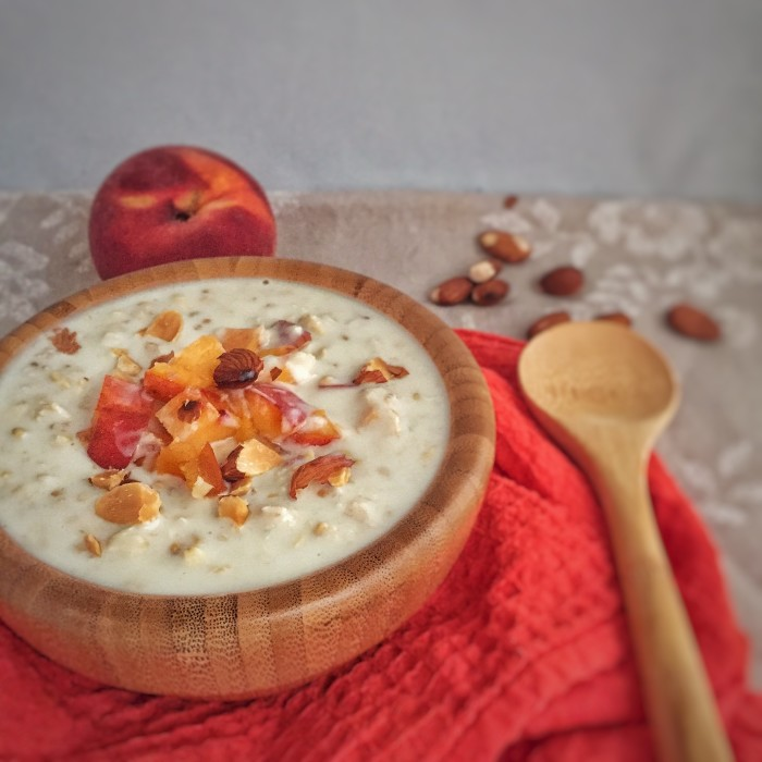 Peach and Almond Overnight Oats