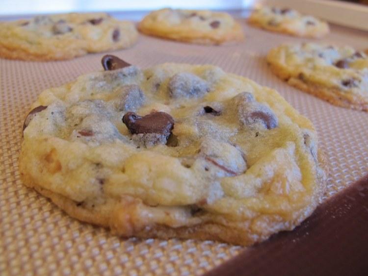 02Chocolate_Macadamia_Nut_Cookies_1024x768
