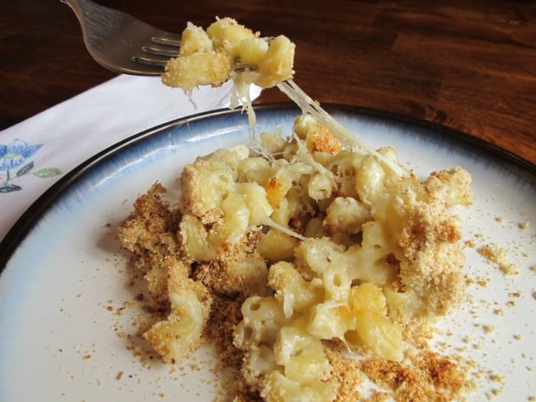 06Three_Cheese_Macaroni_and_Cheese_1024x768