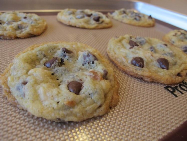 07Chocolate_Macadamia_Nut_Cookies_1024x768