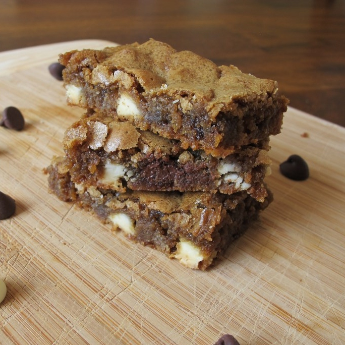 03Double Chocolate Chip Blondies_1024x768COPY