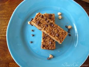 12Peanut Butter Chocolate Chip Granola Bars