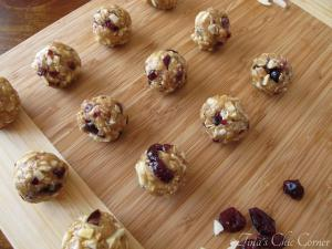 05Almond Cranberry Granola Bites