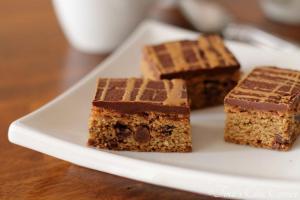 13Coffee Chocolate Chip Bars