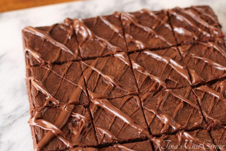 02Flourless Chocolate Peanut Butter Brownies