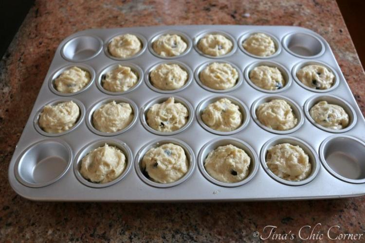 02Light Mini Blueberry Muffins