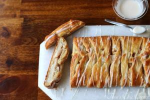 16Apple Cheese Danish