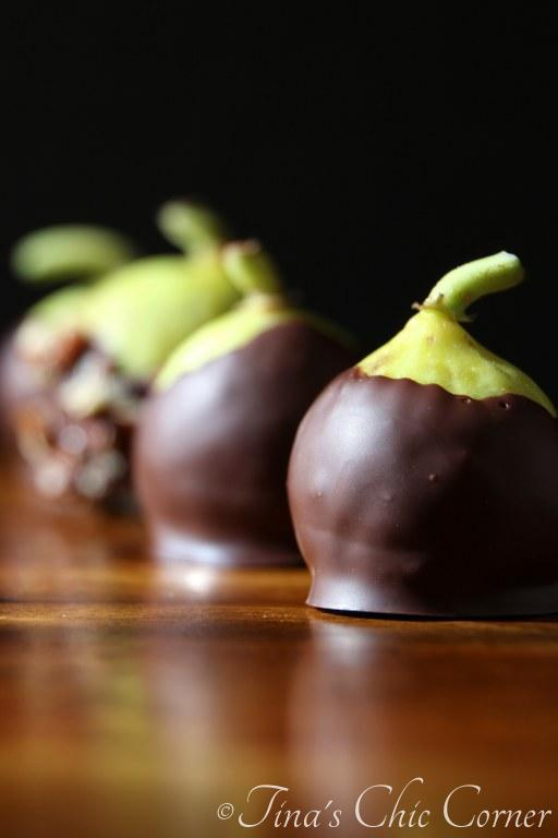 12Chocolate Dipped Fresh Figs