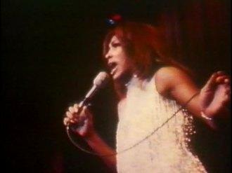 ike-tina-turner-revue-live-in-las-vegas-1971-10