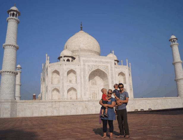 Travelynn Family at Taj Mahal