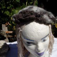 Bonnet noir et gris petite taille, alpaga naturel, crochet
