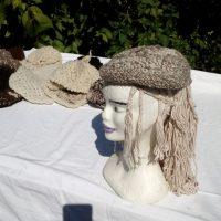 Béret carré, mouton, naturel, métier à clous, crochet