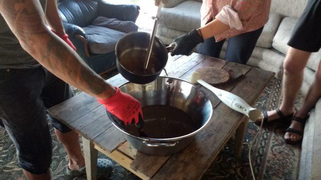 mélange graisse soude savon