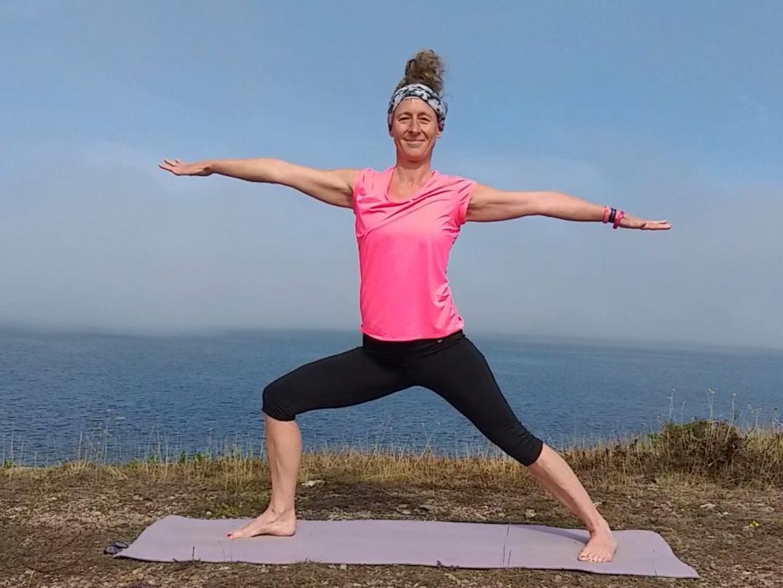 Yoga draußen meer