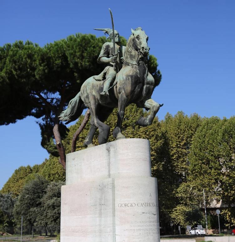 , Piazza Albania