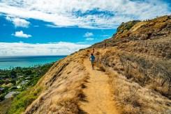 Narrow path along the ridge.