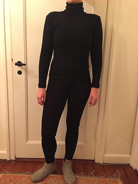 ski undertøj - sæt med sorte uld leggings og sort rullekrave fra Engel natur