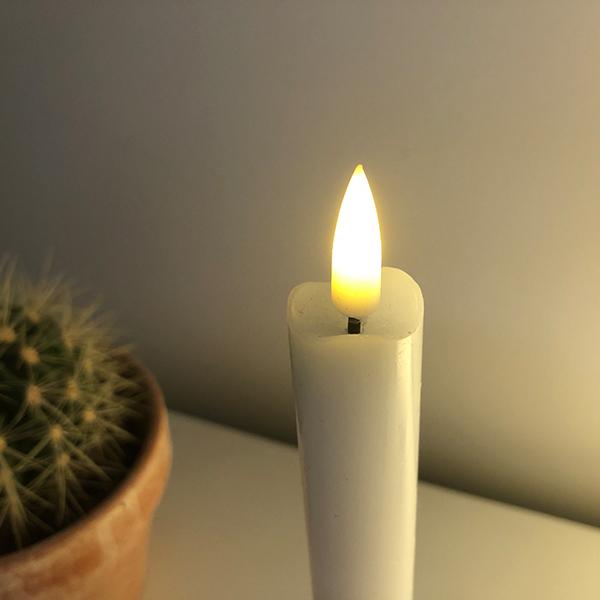 LED kronelys med det flotteste og mest autentiske væge - 2 stk kronelys kr. 139