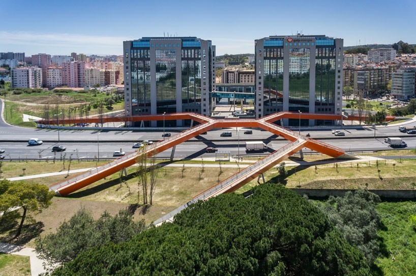 pedestrian-and-cycling-bridge-maximina-almeida-telmo-cruz-lisbon-designboom-01-818x544.jpg