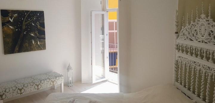 White Lounge 1