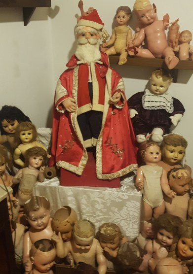 Santa with friends - don't miss The Dolls Hospital, one of the best attraction around Tings Lisbon