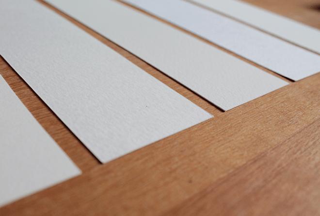 Foto de papéis de aquarela em branco.