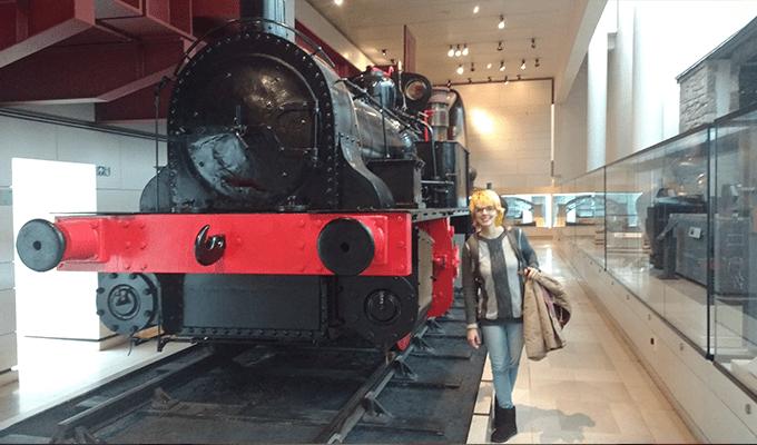 Na parte nova, falando sobre transportes, tirei uma foto com um belo trem que é bem parecido com o Expresso de Hogwarts.