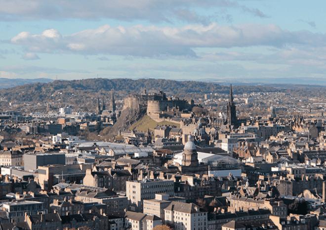 Castelo de Edimburgo - Vista do Arthur's Seat