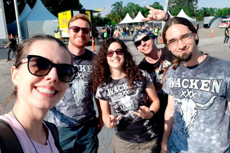 Eu, marido e amigos no Dream Festival em São Paulo.